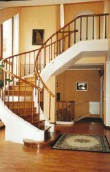 Лестницы деревянные любой сложности и конфигурации
