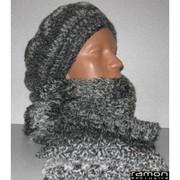 зимние шапки и шарфы