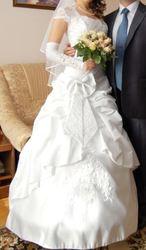 продам вишукану весільну сукню
