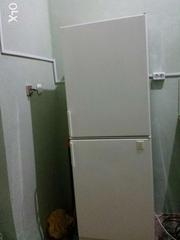 Холодильник з морозильною камерою Electrolux.стан Відмінний.