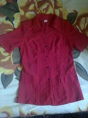 Блузка красная 48 размер,  в полоску.